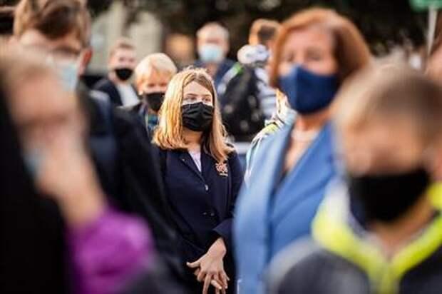 """Пандемия COVID-19: миру нужно """"подружиться"""" с коронавирусом, ведь он никуда не уйдет"""