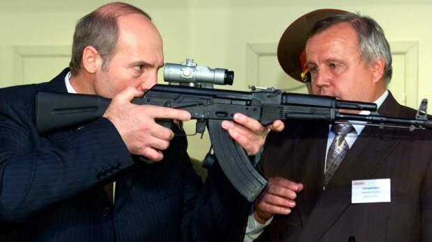 И с кем это «не дай бог, какой-то конфликт» у Лукашенко может быть?
