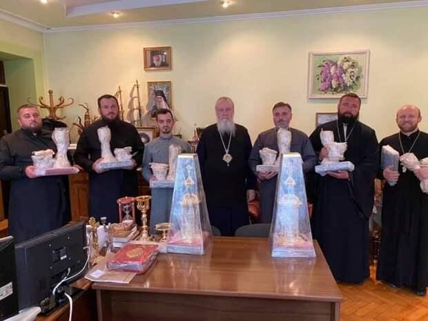 Православие на Украине торжествует вопреки бандитизму раскольников