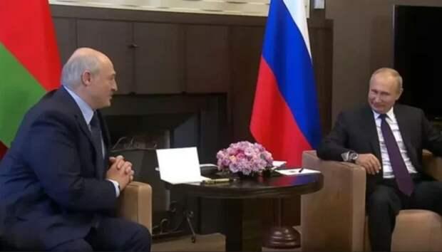 Лукашенко говорил много, Путин слушал и улыбался, а на Западе впали в истерику