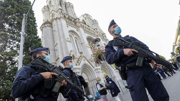В Тулузе неизвестные осквернили главный городской католический собор