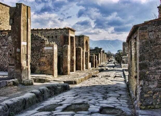 Канадка украла артефакты из Помпей и прожила 15 лет в несчастье