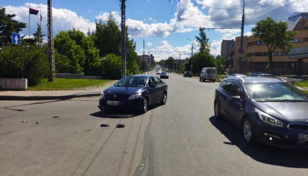 Мотоциклист пострадал в ДТП в центре Петрозаводска