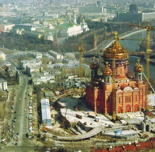 1996 Храм Христа Спасителя. Э.Жигайлов.jpg