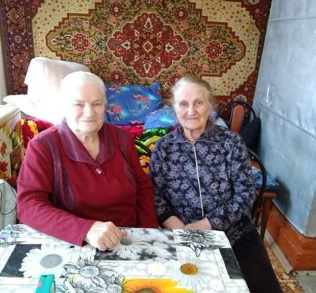 Поцелуй с Брежневым, бесценные часы. Почему сестры из Ульяновской области живут неразлучны