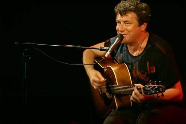 Леонид Федоров из «АукцЫона» сыграет акустику в камерном формате
