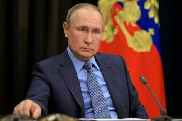 Путин: РФ все чаще сталкивается с попытками оболгать историю ВОВ