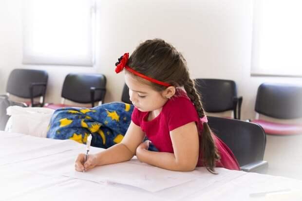 Психолог Семейного центра «Западное Дегунино» проведет мастер-класс по правополушарному рисованию