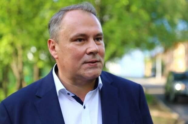 Толстой обратился к сторонникам после победы на праймериз в 199-м округе