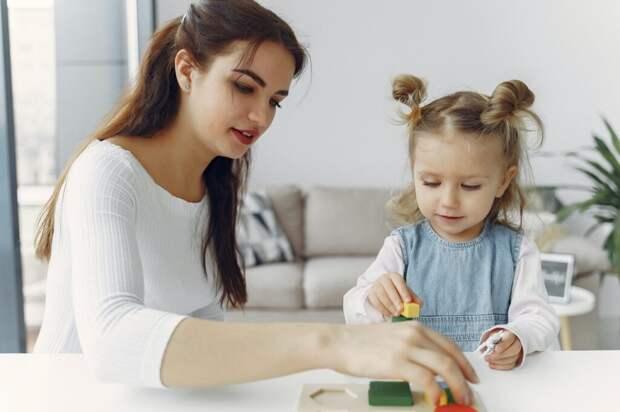 Как выбрать няню для ребенка: 4 простых шага