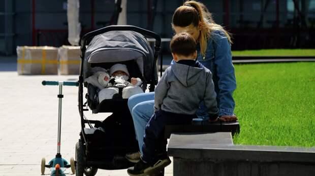 Общественники поддержали идею ввести 100%-ную оплату больничных семьям с детьми до 7 лет