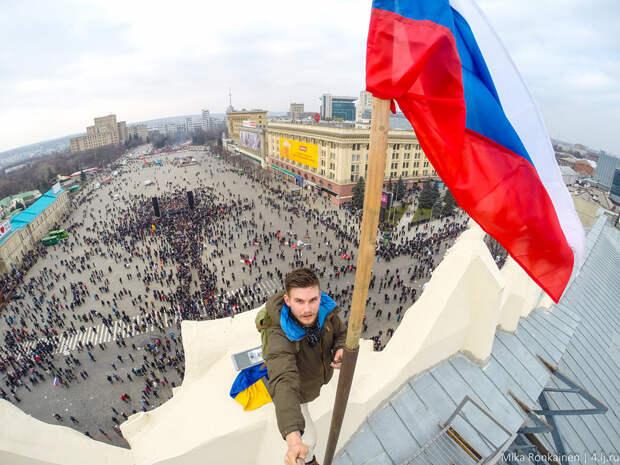 Херсон под флагом РФ. Украина уже прощается с южными регионами