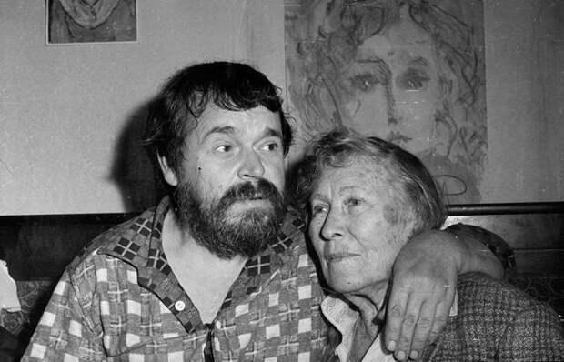 Странный союз русского Ван Гога Зверева и вдовы поэта: И 40 лет разницы в возрасте не помеха для счастья