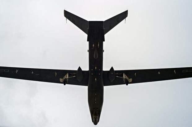 Версия Avia.pro: войска ДНР и ЛНР могли атаковать комплексами РЭБ американский разведывательный дрон над Донбассом