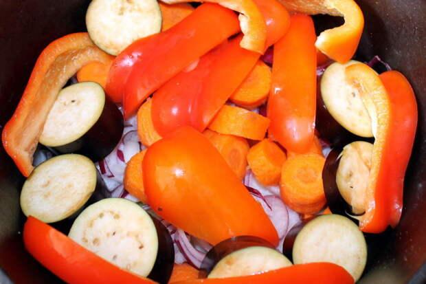 Чем ниже овощи, тем дольше они будут готовиться.