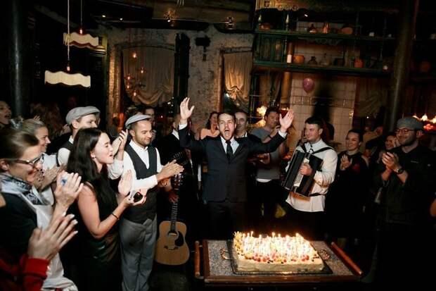 Haррy birthday to you - это самая часто исполняемая песня в мире и она находится под защитой авторских прав