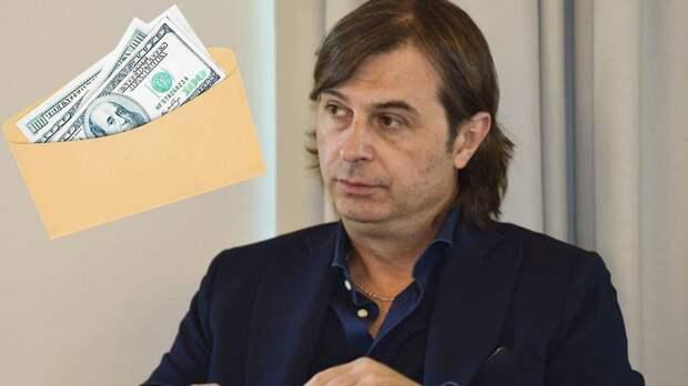 Президент итальянской «Новары» ушел в отставку. В его машине нашли конверт с €200 000