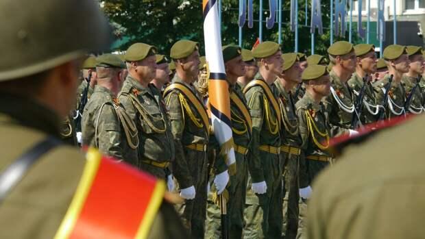 Самую большую в мире георгиевскую ленту развернули в столице ЛНР