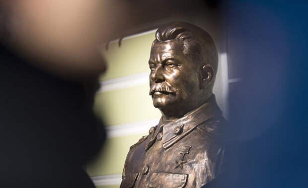 Сталин и теперь живее всех живых