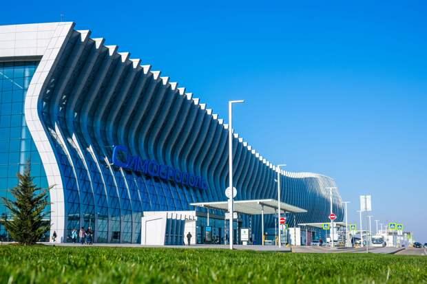 Прямые авиарейсы в Крым открылись еще из шести городов