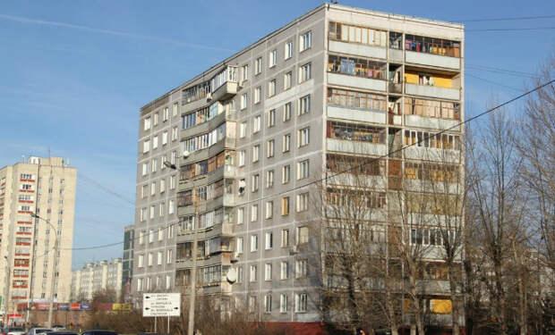 Строительные стандарты СССР: почему двери открывались только внутрь, а в домах было 9 этажей, а не 10