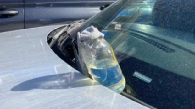 """В Нью-Йорке водитель кинул в полицейских """"коктейль Молотова"""" и скрылся"""