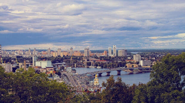 Киев хочет «ласково украинизировать» граждан