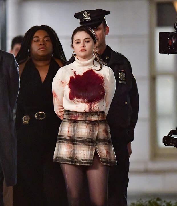 Селена Гомес начнёт расследовать преступления в новом сериале «Убийства в одном здании»