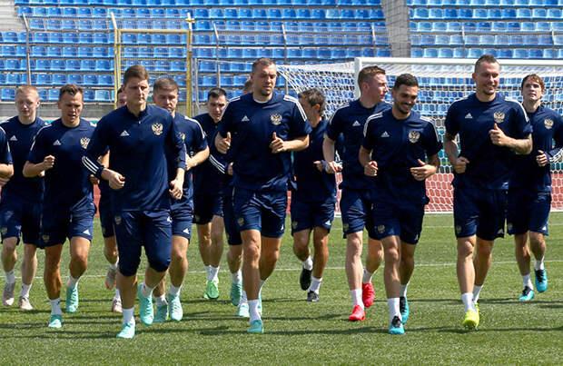 Чемпионат Европы по футболу: Россия вступает в борьбу