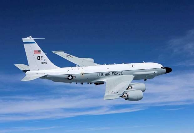 Самолет-разведчик ВВС США RC-135. Источник изображения: https://ianed.ru