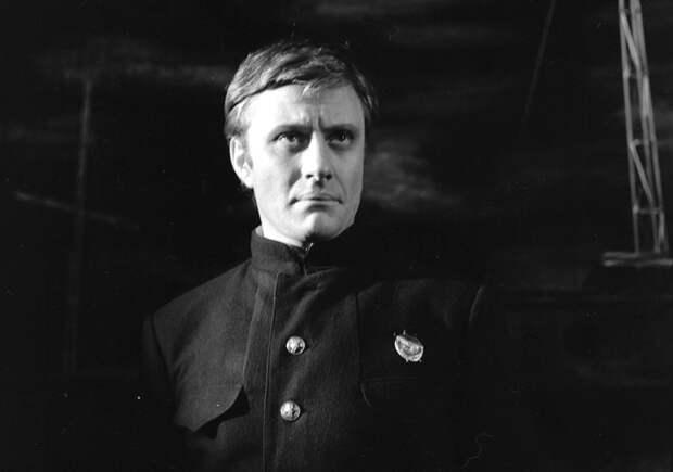 Андрей Миронов на сцене театра Сатиры