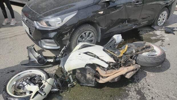Авария дня. Мотоциклист получил тяжелые травмы вНовосибирске