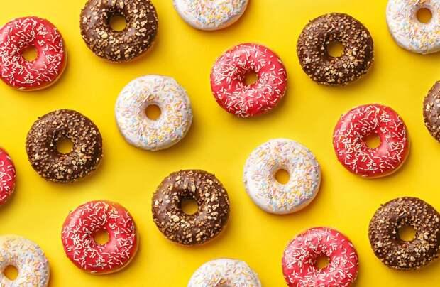 Кто придумал дырки в пончиках