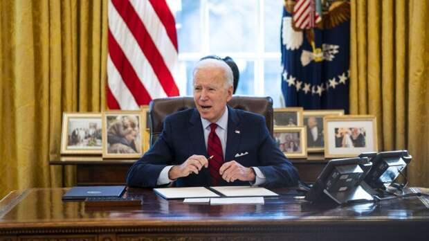 Из-за Байдена саммит НАТО начался с конфуза