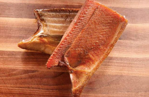 Пастрома из красной рыбы: делаем закуску-деликатес из семги или лосося
