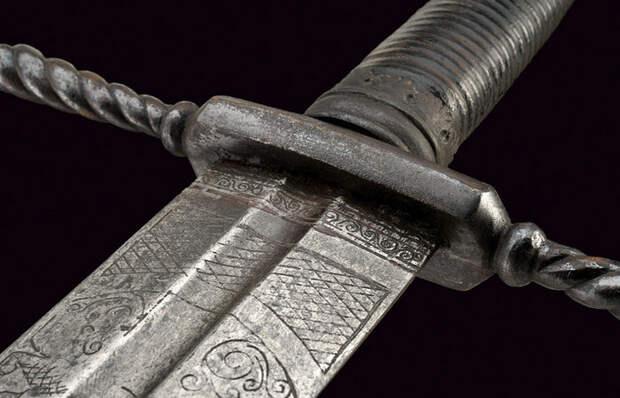Для чего нужна канавка на клинках мечей и ножей