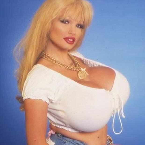 Самые пышногрудые актрисы 90-ых.