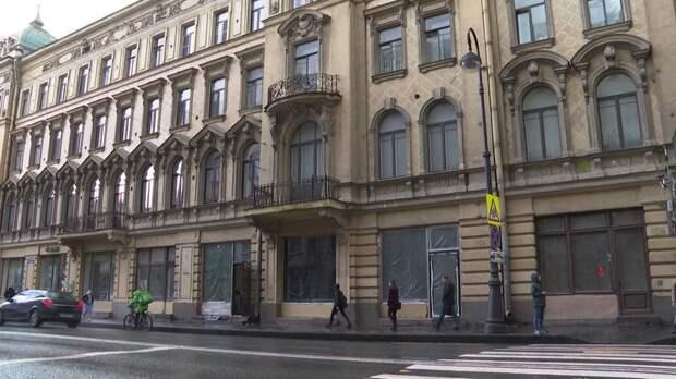 В Доме Шведерского незаконно заменили исторические рамы – видео