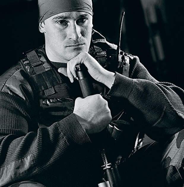 Младший лейтенант Сергей «Крок», выполнявший боевые задачи в Дагестане в 1999-м и взаимодействовавший с ополчением Хасавюрта 035_rusrep_13-2.jpg Дмитрий Беляков