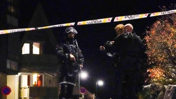 Мужчина открыл стрельбу из лука по прохожим – есть погибшие
