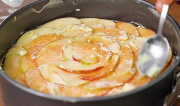 Шарлотку больше не готовлю. Рецепт яблочного пирога проще и быстрее