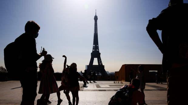 Во Франции за сутки выявили более 34 тысяч случаев коронавируса