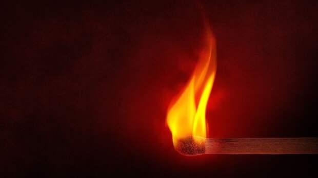 Пожар в жилом доме в Ленобласти унес жизнь одного человека