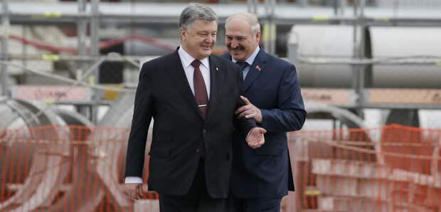 Украина не должна была закрывать небо для белорусских авиарейсов и не должна забывать, что...