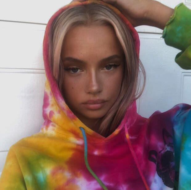 9 фото милой девушки Эммы Элингсен, которая на самом деле трансгендер