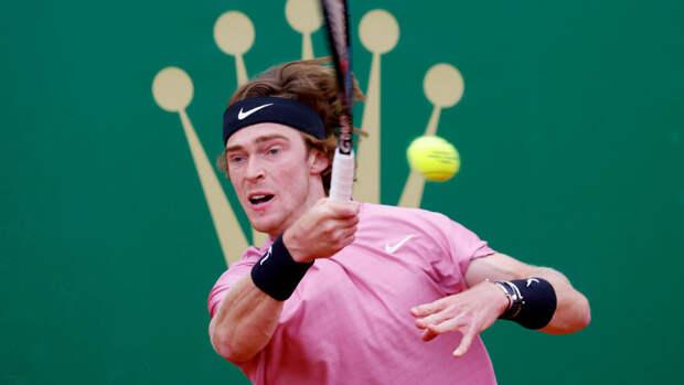 Рублев вышел в четвертьфинал турнира в Риме