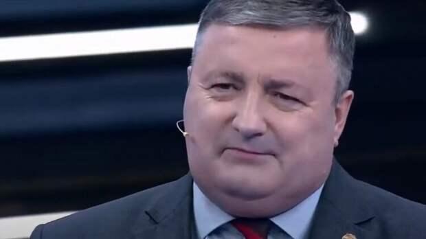 Перенджиев в шутливой форме объяснил, зачем НАТО перебросило войска к границе РФ