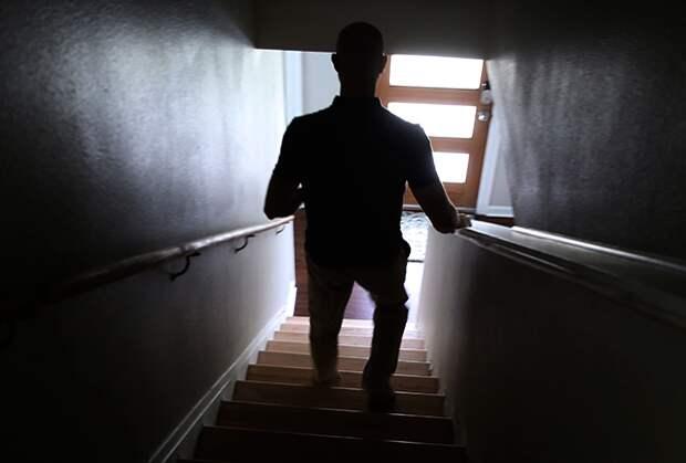 ВРоссии всплеск домашнего насилия. Почему насамоизоляции мужчины стали чаще избивать женидетей