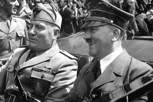 Италия была союзником Гитлера, поэтому Муссолини войну объявил синхронно с Германией