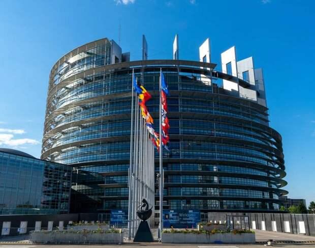 «Европа открывает единый фронт»: отношения между РФ и ЕС зашли в тупик